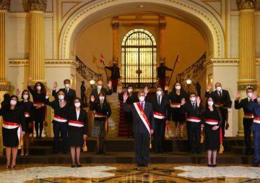 Francisco Sagasti tomó juramento al Gabinete liderado por Violeta Bermúdez