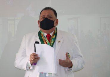 Teodoro Quiñones dijo al ministro de Trabajo que salida de Molinelli no es negociable