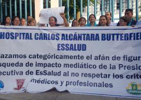 ÚLTIMO. Coordinadores de Hospital Carlos Alcántara de la Molina renunciaron ante caos por falta de vacunación del personal y desorganización