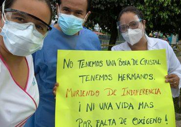 Gran plantón de protesta con toma de la avenida La Marina en Iquitos realizaron médicos y trabajadores del Hospital III exigiendo planta oxígeno