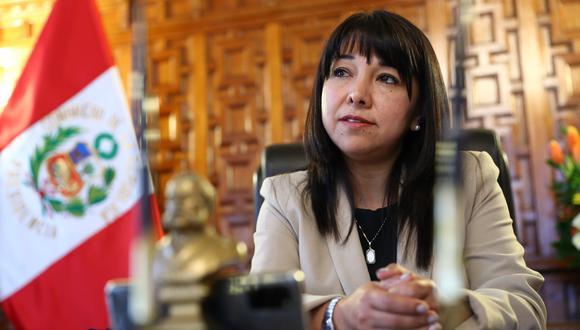 Secretario general fue recibido por presidenta del Congreso para ver conformación de Comisión Investigadora de EsSalud