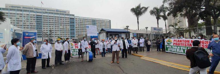 Hoy se realizó último plantón de protesta de cuerpos médicos del SINAMSSOP