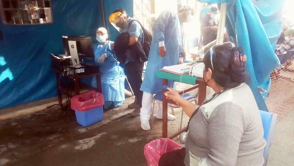 Situación de policlínico Chosica y Hospital II de Huánuco son lamentables mientras Molinelli baila Tic Toc haciendo el ridículo