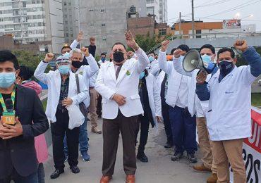 Médicos de EsSalud exigieron nueva vacunación de profesionales con vacuna Pfizer en todo el país