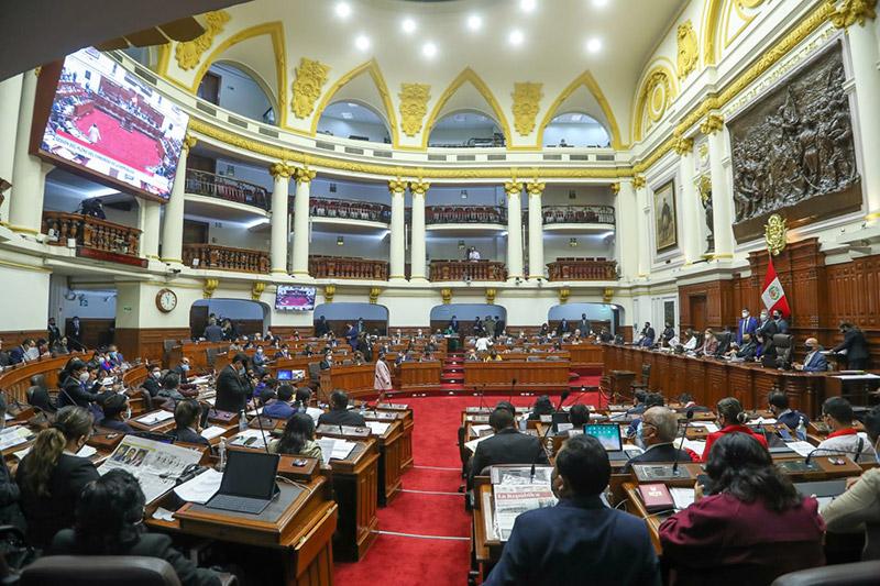 La justicia tarda pero llega: Congreso aprobó comisión investigadora por corrupción en compras durante la pandemia