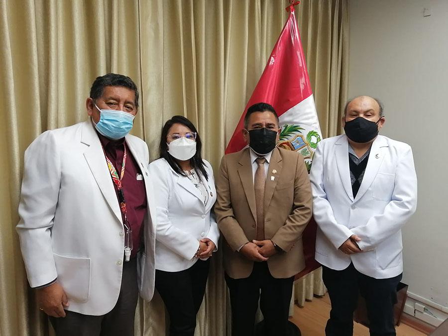 Cirujanos Dentistas otorgan reconocimiento a congresista Jorge Marticorena por apoyo a promoción de salud bucal en el país